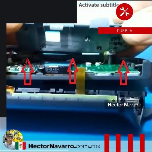 Paso 8 Separar cuidadosamente la base del boton ZR